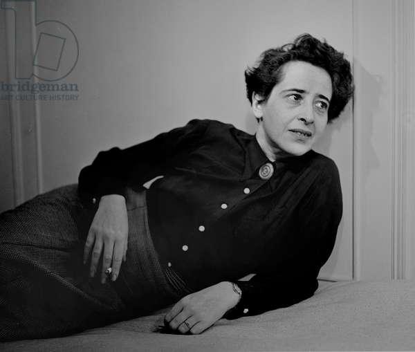 Arendt, Hannah 1944