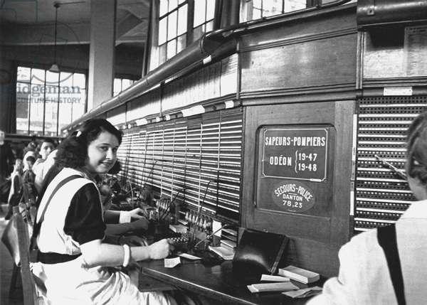 Telephone Operators, Paris 1934