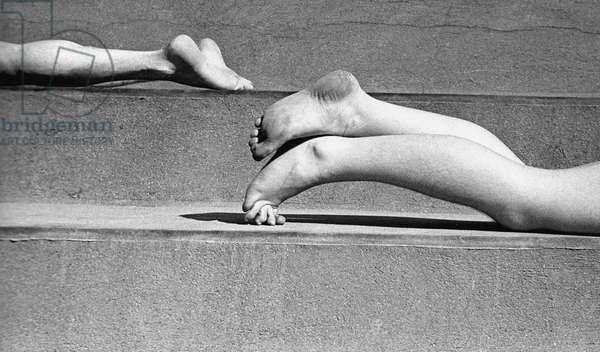 Legs, Paris 1935