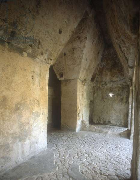 Entrance Hall of the Temple of the Sun, consecrated 690 (photo)