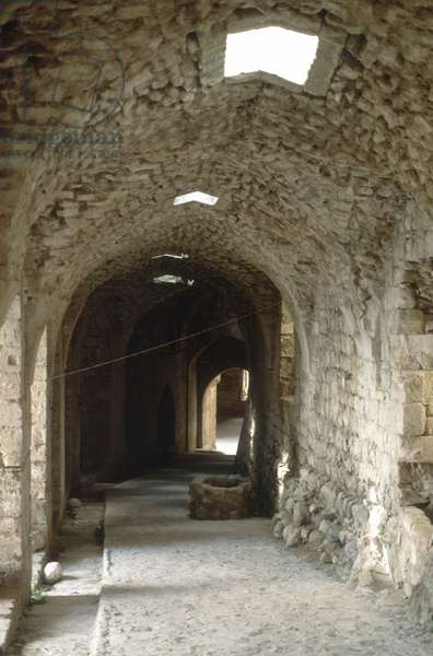 Corridor linking the lower and upper castles, Krak des Chevaliers (photo)