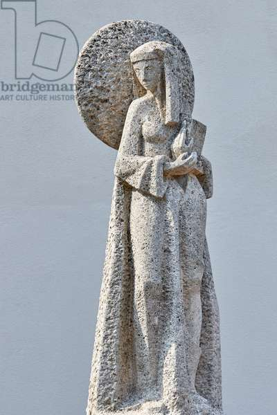 Statue of the holy Hildegard of Bingen, end of the 20th century