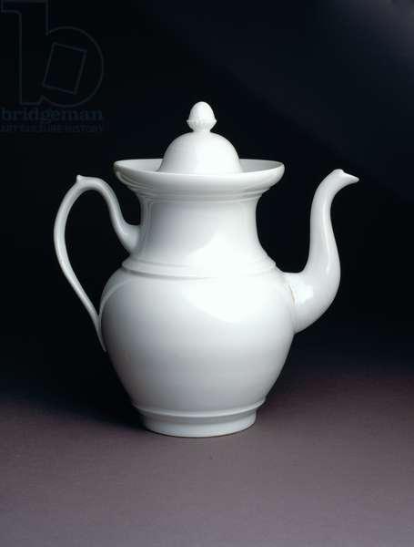 Coffeepot, 1826–38 (glazed porcelain)