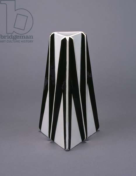 Vase, 1914 (glazed earthenware)