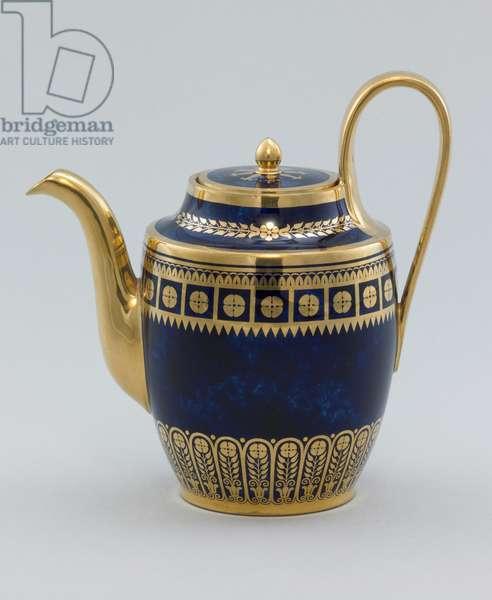 Coffeepot, c.1819-20 (glazed porcelain with gilding)