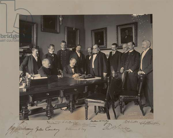 The signing of the Protocol of Peace, 1898 (b/w photo)