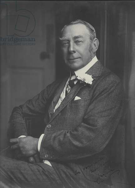Portrait of a man, early 20th century (b/w photo)