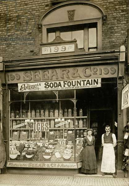Seear & Co., London, June 1904 (b/w photo)