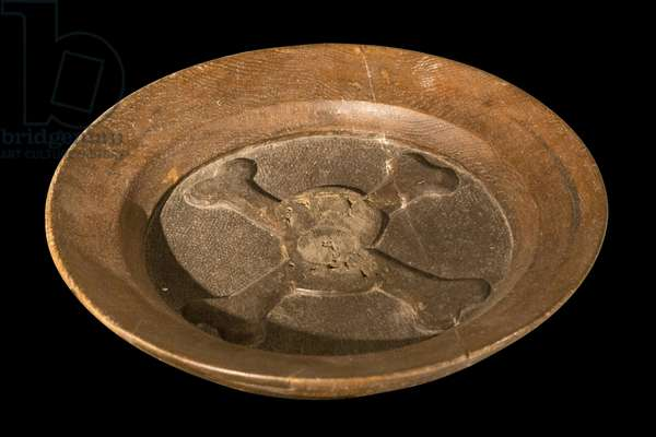 """Plate of offerings had to also """""""" dish of souls"""". 17th century. Drink. Historic Monument Class on 30/09/1911. This type of dish was generally used for the quest of the masses devoted to the Souls of Purgatory and recalled, by its decor, the vanity of all things"""