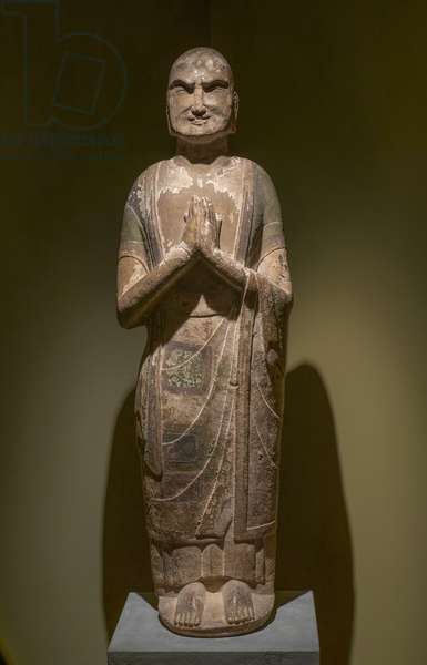 Kashyapa, disciple of the Shakyamuni Buddha. North China, Sui Dynasty, late 6th — early 7th century. Marble with traces of polychrome.