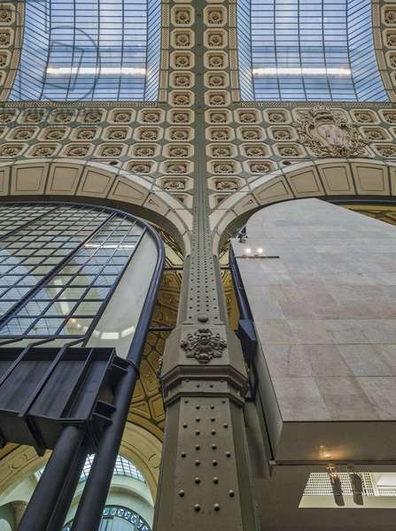 The Orsay Museum. Paris. France - Beams and arch separating exhibition halls along the central allee of sculptures - Musee d'Orsay, Paris - Photography 2017