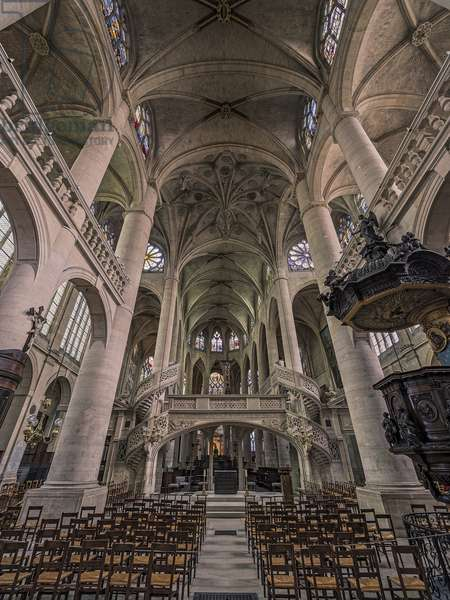 View towards the choir, with the jewish and transept in jewel. Church Saint Etienne du Mont, Paris, (1491-1624)