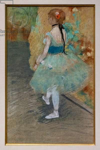 Green dancer. Around 1878. Pastel on paper.