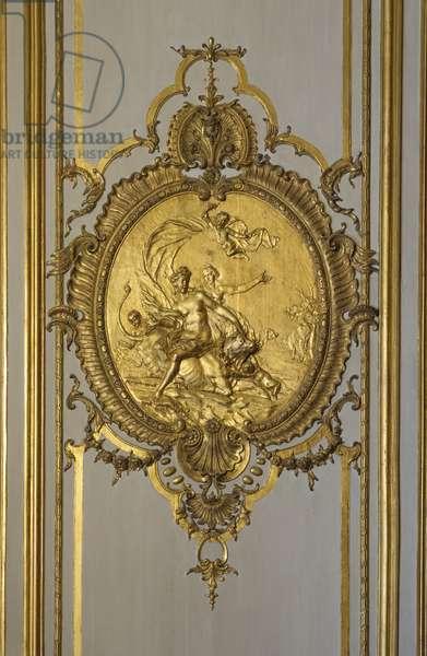 Medallion carves and adorns Jupiter's love life. Princess's parade or parade room. Hotel de Soubise, Paris, 18th century