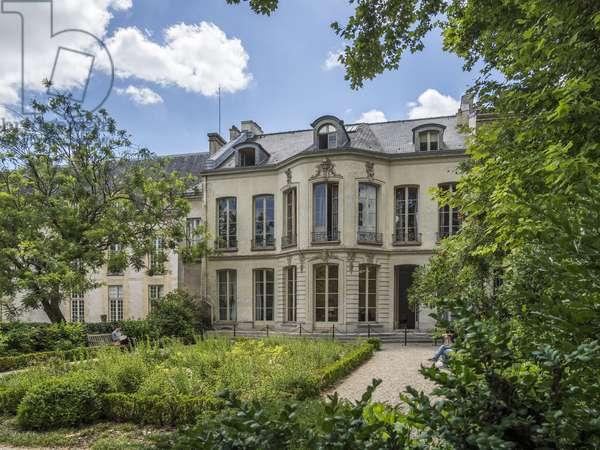 Ruelle de la Roche, Jaucourt, Breteuil and Fontenay hotels gardens, Paris