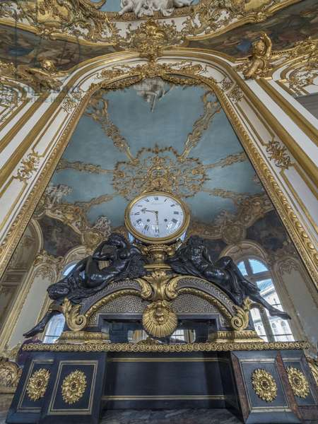 The clock. Oval Salon of the Princess, architect Germain Boffrand (1667-1754), 1737. Hotel de Soubise, Paris, 18th century
