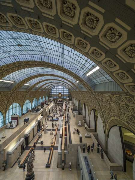 The Orsay Museum. Paris. France - Overview of the main sculpture exhibition hall with the central structure in steel and glass - Musee d'Orsay, Paris - Photography 2017
