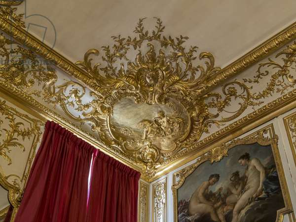 Leda and the Swan. Decor of the angle of the ceiling, by Germain Boffrand (1667-1754). Princess's parade or parade room. Hotel de Soubise, Paris, 18th century