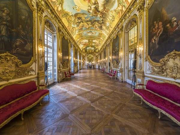 The gallery doree and the vault painted by Francois Perrier (1594-1649), 1645. Banque de France. Hotel de Toulouse, former hotel de la Villiere, Paris - Hotel de Toulouse, headquarters of the Banque de France -