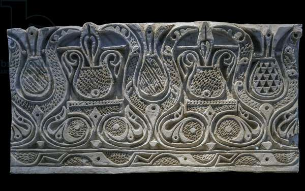 Wall frieze with decor in meplat. Susa, Iran, 9th-11th century. Stucco faconne and gouge. Musee du Louvre