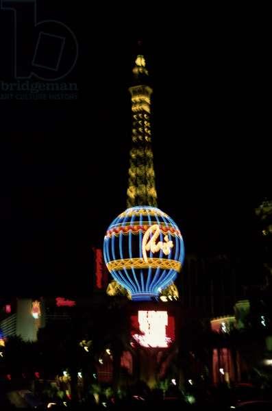 Neon signs in Las Vegas, Casino Paris, 2005 (photo)