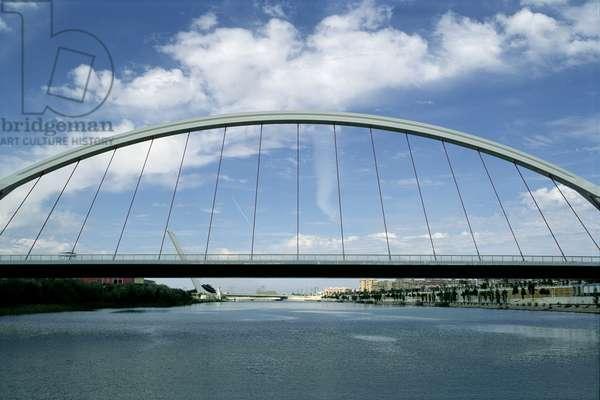 Bridge of Barqueta over the Guadalquivir river, Expo 92 area (photo)