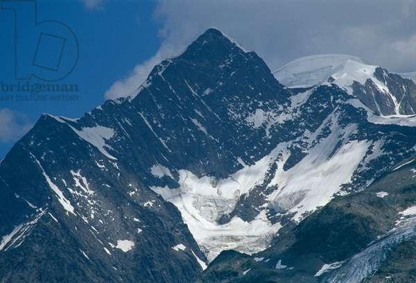 The Mont Blanc massif (photo)