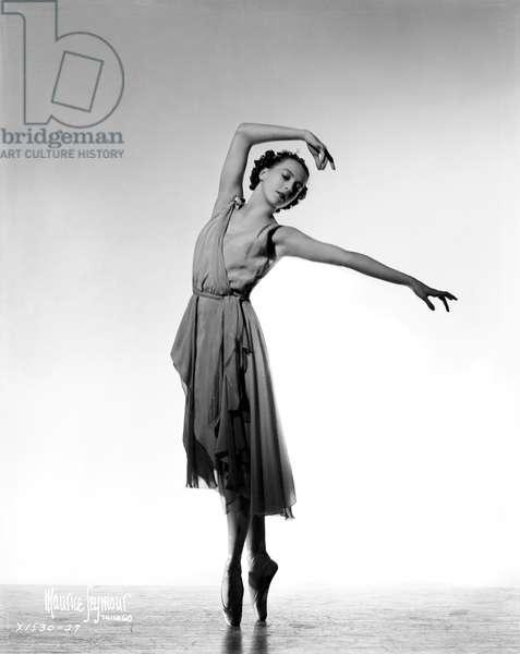 Eva Evdokimova dancing