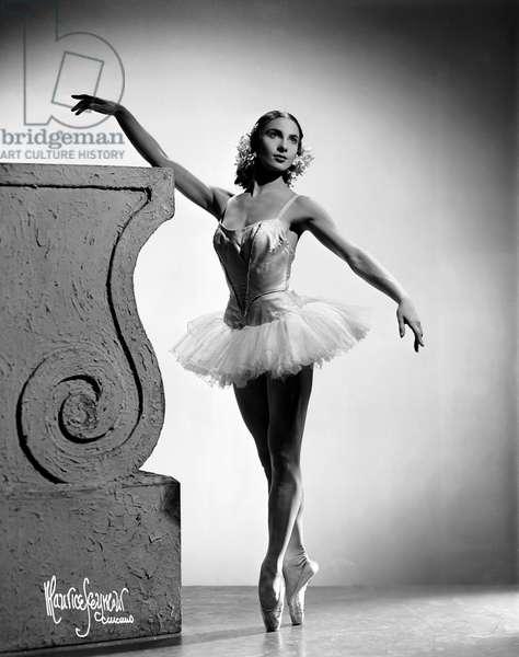 Nathalie Krassovska dancing with