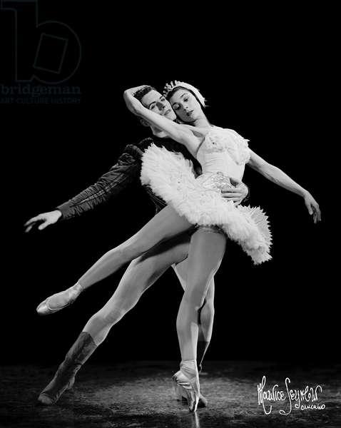 Margot Fonteyn & Michael Somes in Swan Lake