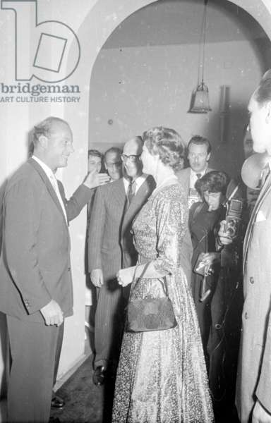 Ingrid Bergman at a reception in Munich, 1954 (b/w photo)