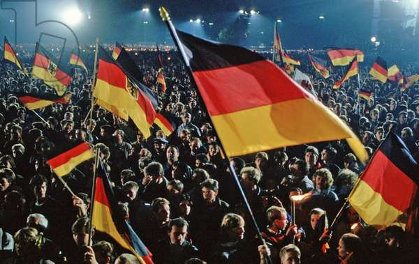 Celebration of the reunion before the Reichstag, 3rd October 1990 (photo)
