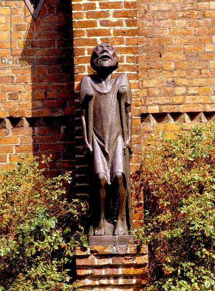 Sculpture by Ernst Barlach, who spent his youth in Ratzeburg, in Domhof, Germany, 2001 (photo)