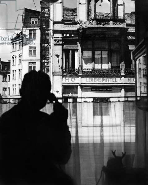 Making phone calls during the Berlin blockade (b/w photo)