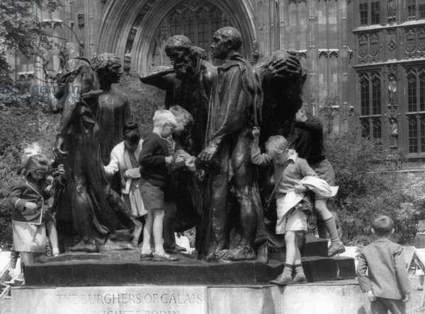 'The Burghers of Calais' in London, 1967 (b/w photo)