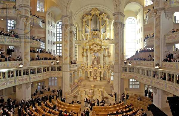 60 years after its destruction in World War II, resurrected from rubble, Frauenkirche is consecrated, Dresden, Germany, 30th October 2005 (photo)