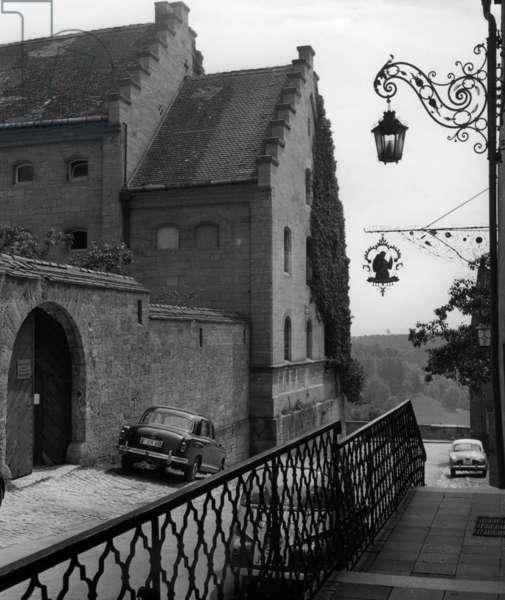 Building in Rothenburg ob der Tauber, 1959 (b/w photo)
