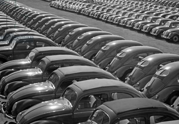 Cars before the Volkswagen factory in Wolfsburg, 1952 (b/w photo)