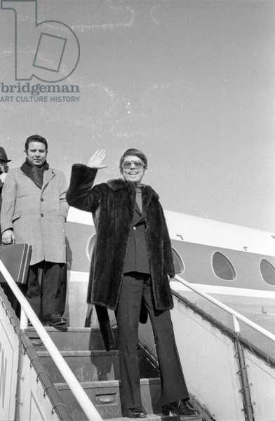 The Spanish singer Raphael at the Munich-Riem Airport, 1978 (b/w photo)