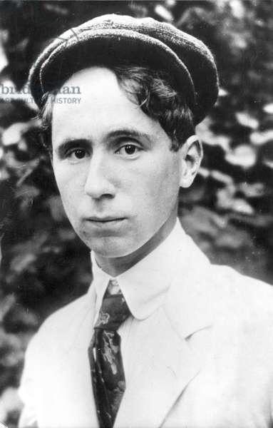 Bertolt Brecht, 1918 (b/w photo)