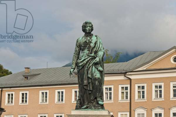 Statue of Wolfgang Amadeus Mozart, Mozartplatz, Salzburg, Austria, 15th September 2013 (photo)
