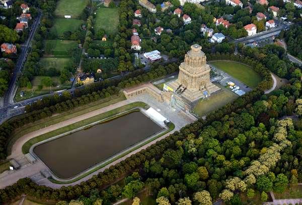 View of the Völkerschlachtdenkmal, Leipzig, 2012 (photo)