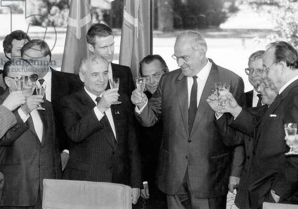 Alexander Yakovlev, Mikhail Gorbachev, Helmut Kohl and Hans-Dietrich Genscher, 1989