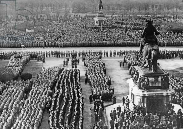 Celebrations on the Heldenplatz in Vienna, 1942
