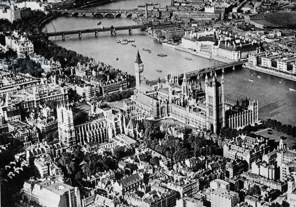 Aerial view of London, 1936 (b/w photo)