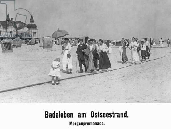 Bathers on the East Sea beach, 1918