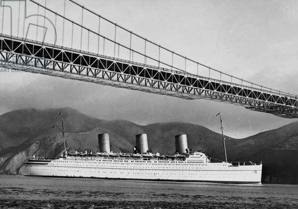 Ocean liner under the Golden Gate Bridge, 1937 (b/w photo)