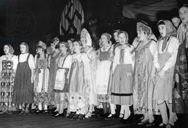 Children's choir in Russian costumes, 1934