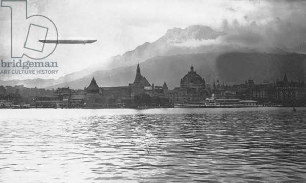 Voyage of the Zeppelin airship 'Schwaben' to Switzerland, 1911 (b/w photo)