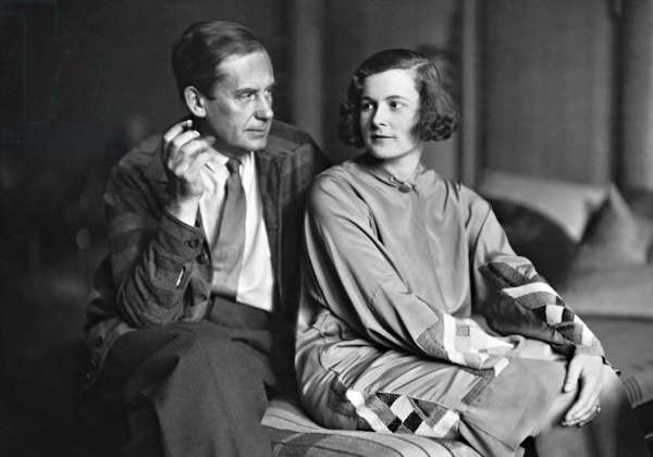 Walter Gropius (1883-1969) and his wife Ise Frank (1897-1983), 1929 (b/w photo)